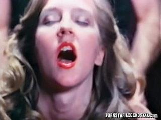 Babe deepthroats big cock for cumshot