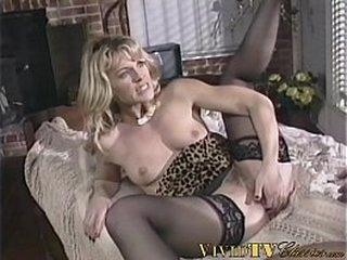 Vintage pornstar fucks big cocked dude