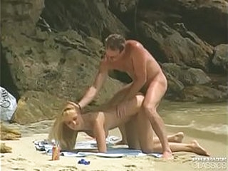 """Laura Palmer in """"Beach Bums"""""""